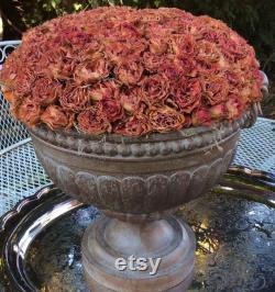Sold Charming Country Fran Ais Roses Mistress Arrangement Francaisdemarche, Holiday Decor Tablescape, Wedding Décor Chalet Style Vintage