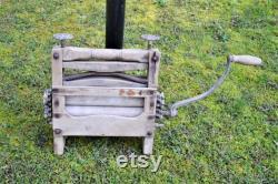 Vintage Wringer Washing Machine Handle Old Aged Wood Rusty Metal Wringer Farmhouse Laundry Decor Panchosporch