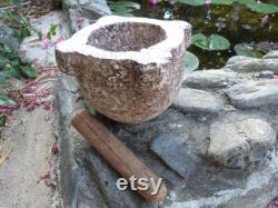 Ancien mortier en marbre rouge de Villefranche de Conflent