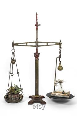Antique Harp-top English Market Scale, 1880 1910 Birmingham Angleterre, Large Decorative Brass and Iron Scale