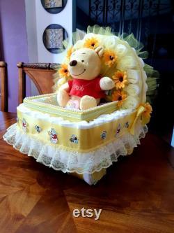 Cadeau de douche de bébé Winnie l ourson thème poussette chariot jaune gâteau neutre de couche