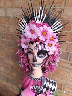 Décoration de la pièce maîtresse d Halloween, pièce maîtresse de la tête de mannequin peinte, accessoire de fête de la tête de mannequin, pièce maîtresse du squelette de papillon d Halloween