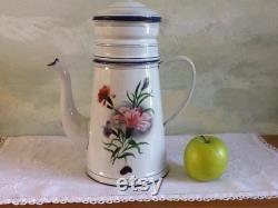Grand millésime en émail Fran ais cafetière. Cafetière avec filtre et couvercle en excellent état. Cafétière Fran ais vintage blanc avec des fleurs.
