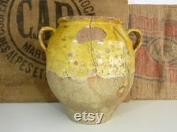 Magnifique et très grand pot à confit jaune vernissé, sud ouest de la France. Pot de conservation. Pyrénées XIXème
