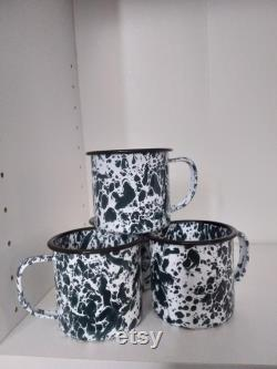 NOS Green Graniteware Enamelware 16 Piece Starter Camp Set, Pic Nic Time is Coming, Get Yours Now