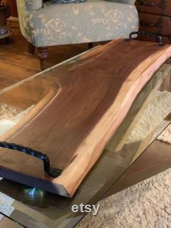 Planches de charcuterie, planche à découper en bois de bord vivant, ferme rustique, décor de cuisine, planche à fromage en bois, plateau de service en bois avec poignées,