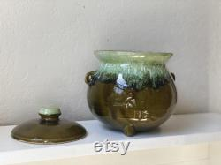 Rétro 2-Piece Colorful Serving Dish Set, HULL Green Drip Hull Kitchenware, Vtg Pottery USA, Large Green Drip Glaze Bean Pot and Serving Bowl