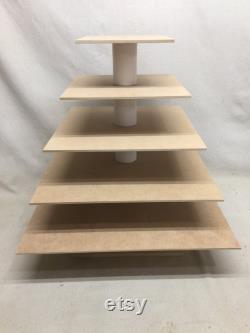 Stand de Cupcake fait carré de 5 niveaux et un peu plus gros Custom inachevé. Peut contenir jusqu'à 147 Cupcakes.