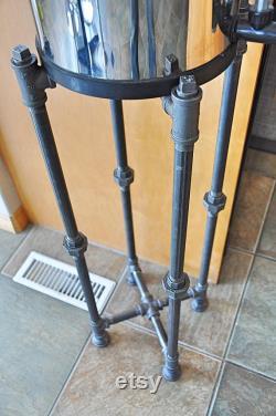 Support de plancher de filtre à eau berkey -Stand d usine -Stand d affichage -Black Pipe-Steampunk Industriel de l expédition rapide -sur mesure