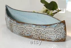 pièce maîtresse en céramique bleu ciel et cuvette de fruit